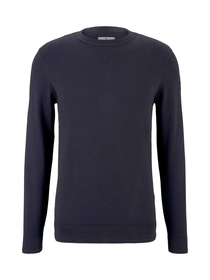 washed sweater with structure