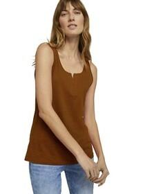T-shirt henley top