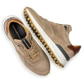 Sneaker aus Wildleder