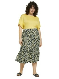 skirt with button placket