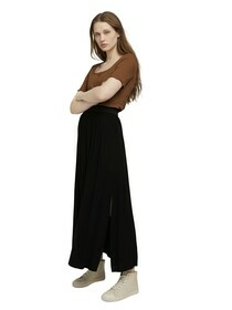 basic maxi skirt with slit